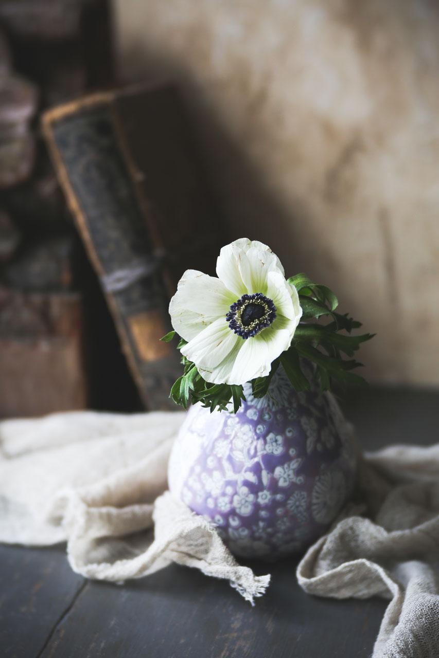 Beautiful backdrops behind the scenes styling video purple vase izmirmasajfo